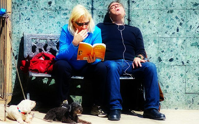 couple reading book books tolle sleeping